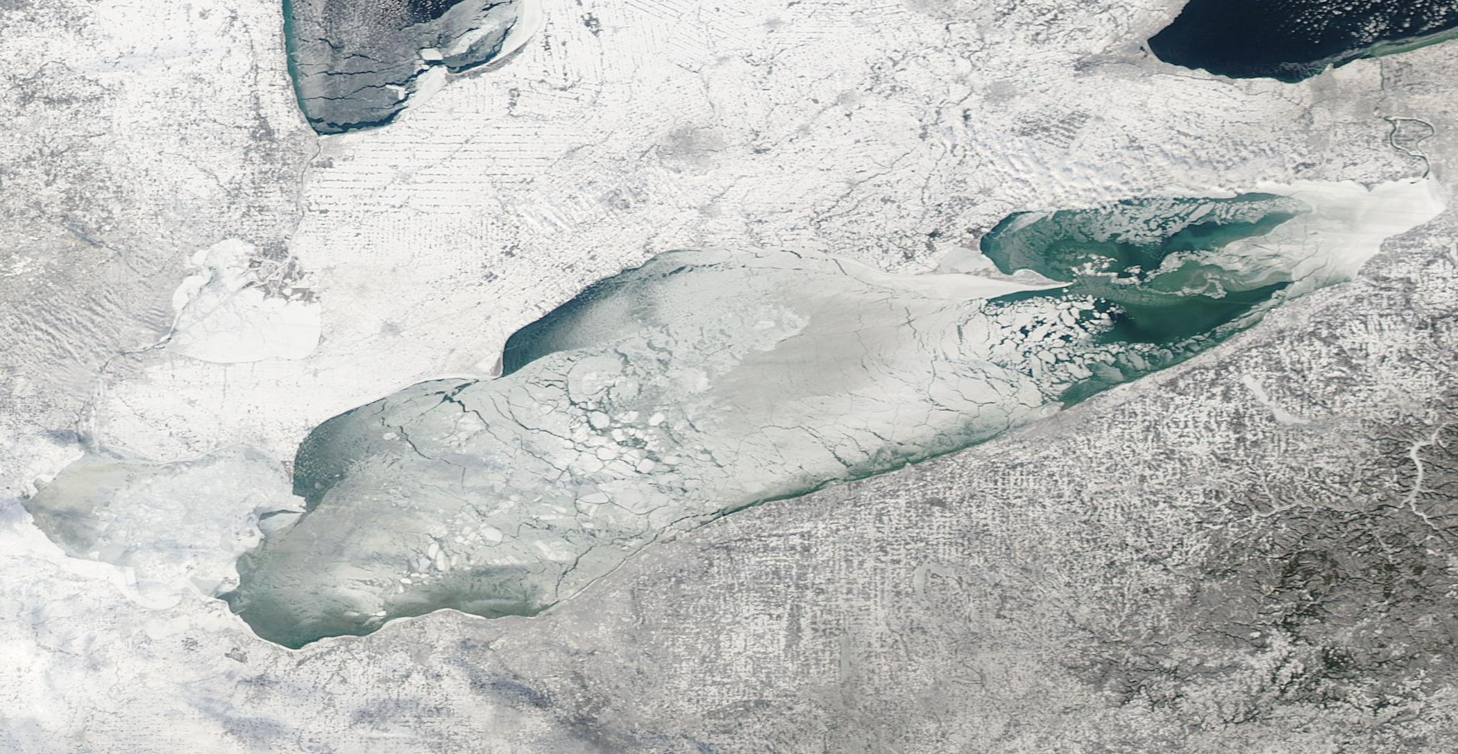 lake erie ice
