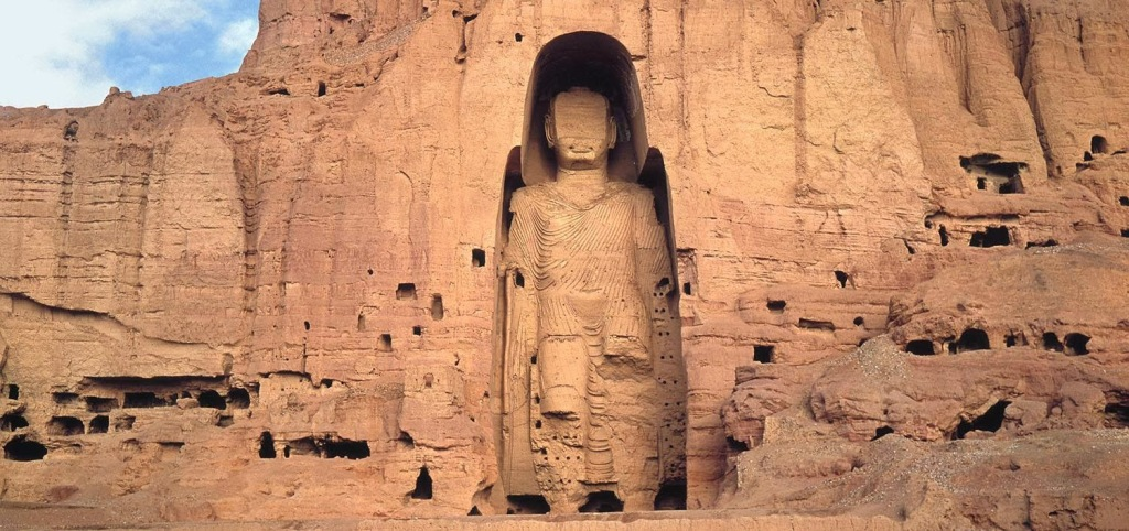 One of the legendary Buddhas of Bamiyan, prior to their destruction by the Taliban in March 2000 courtesy of