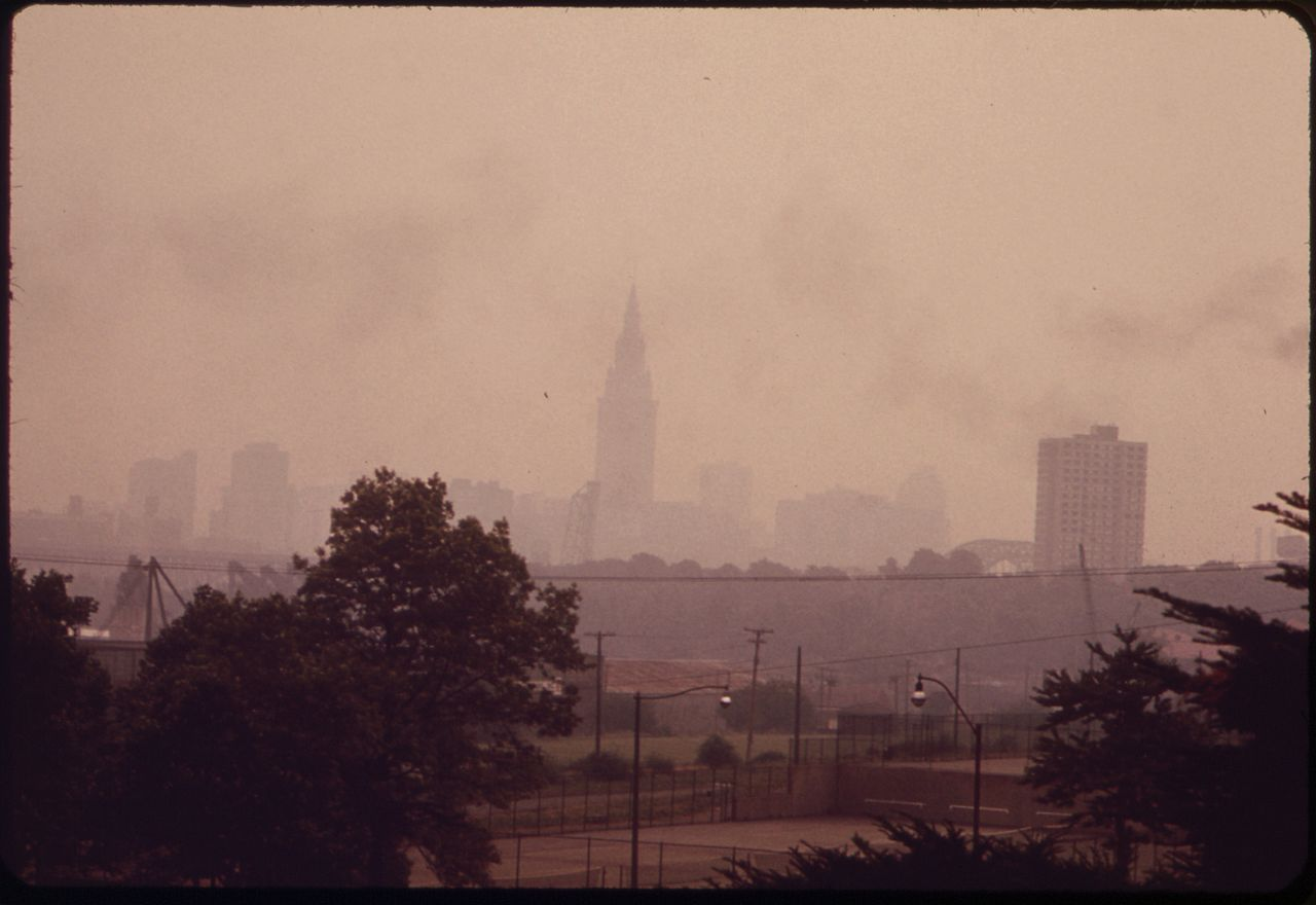 cleveland skyline smog